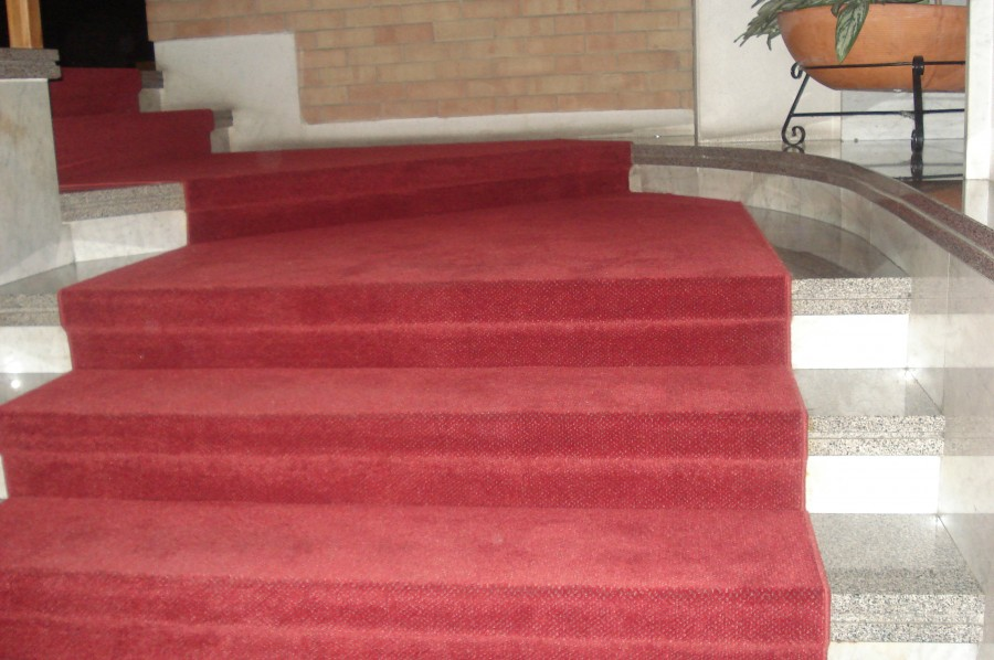 Foto lavori eseguiti macri passatoie zerbini for Tappeti per scale